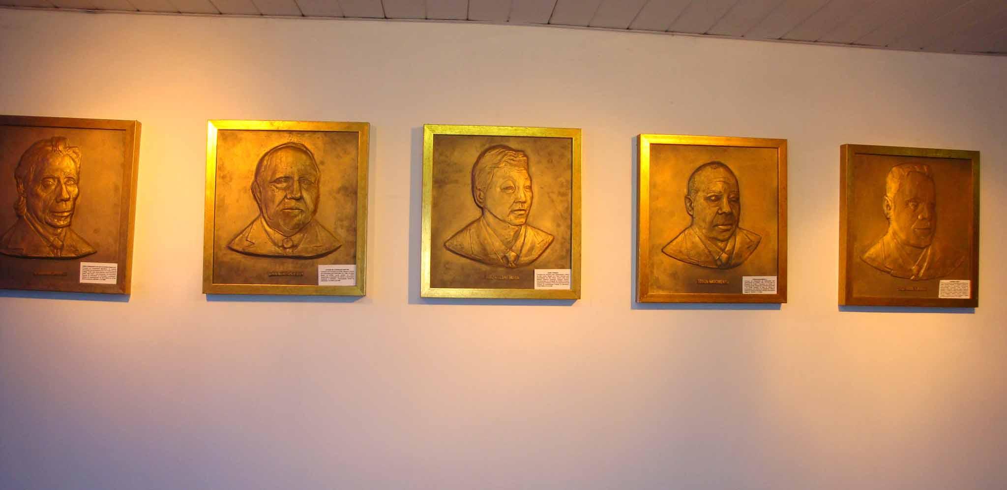 placa_ex-presidentes