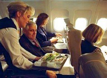 Estudo analisa relação entre família e trabalho de comissárias de voo