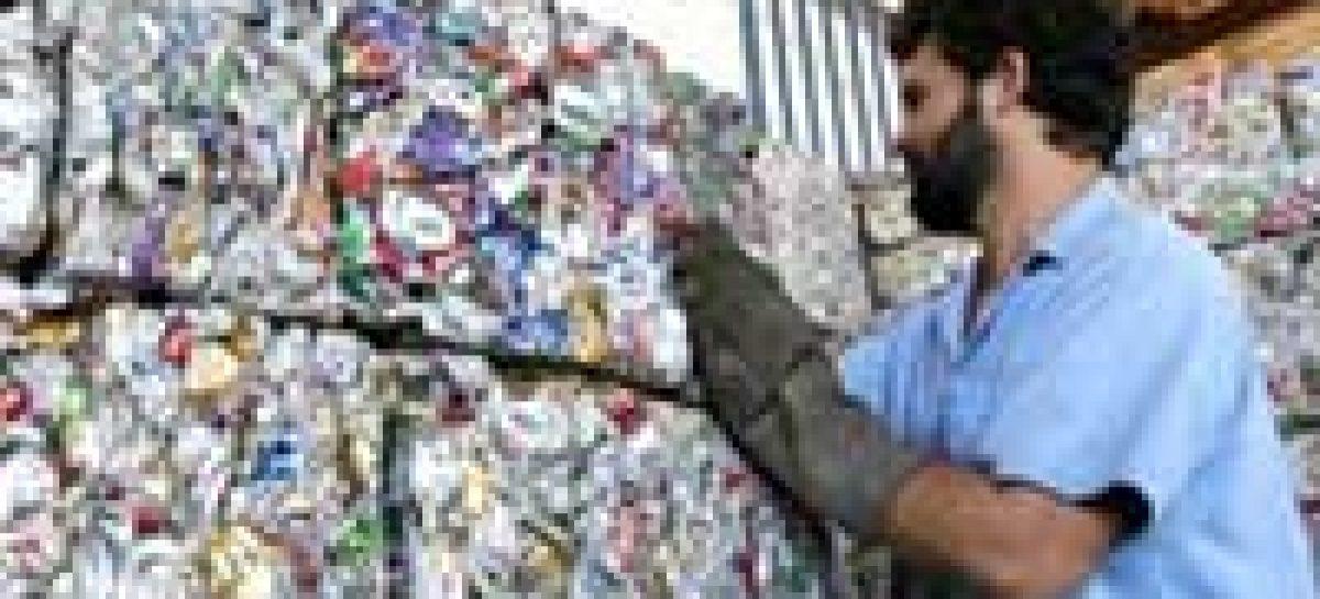 Projetos para inclusão social de catadores de materiais recicláveis terão apoio do CNPq