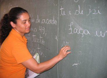 Professores enfrentam as adversidades escolares