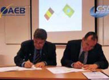 Presidente da AEB assina Programa de Cooperação na Área Espacial na Bélgica