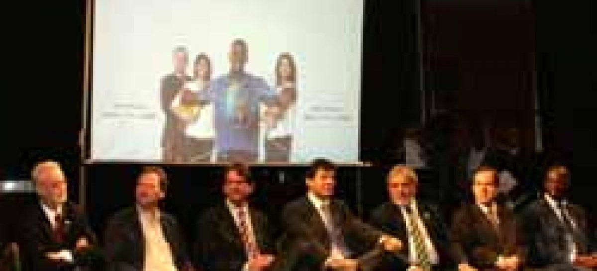 Sergio Rezende participa da abertura do Fórum Mundial de Educação em Brasília