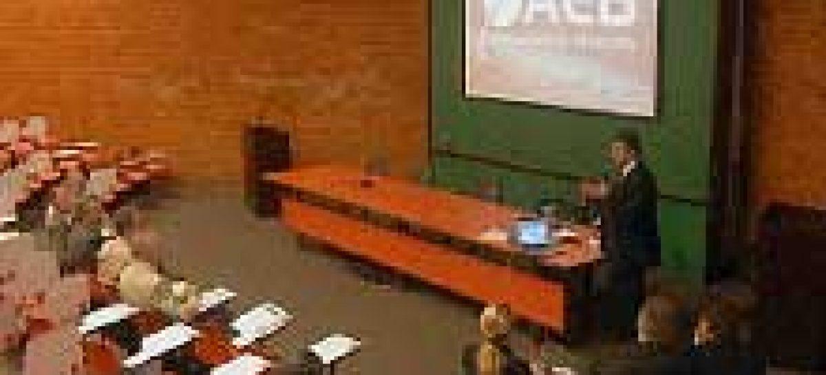 AEB participa de palestra sobre área aeroespacial na Universidade de Brasília