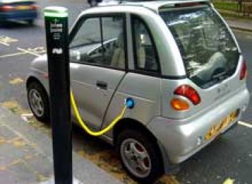 Dinamarca pretende implantar postos de carregamento de carro elétricos