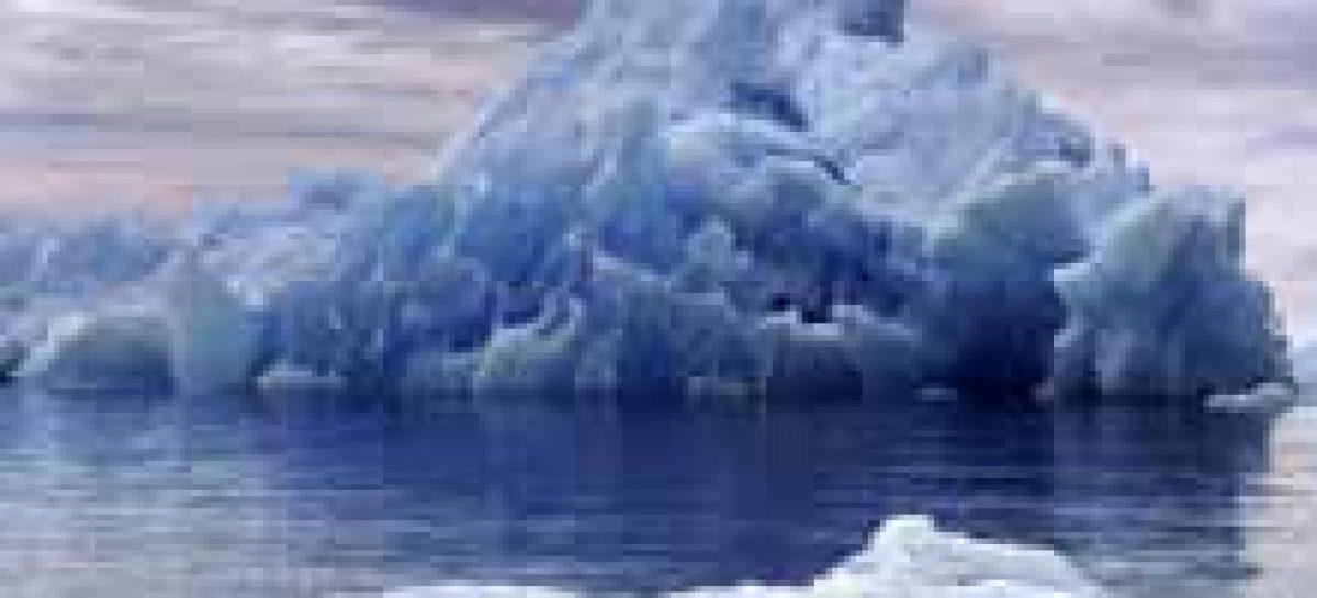 Iceberg gigante segue para o sul da Austrália