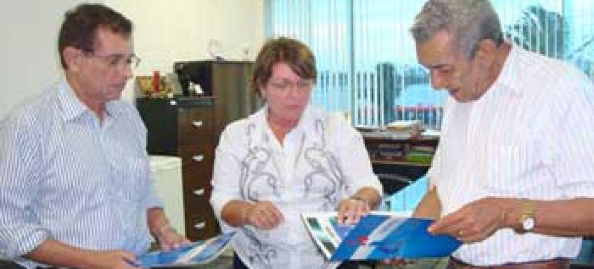 Presidente da Academia Maranhense de Letras visita sede da Fapema