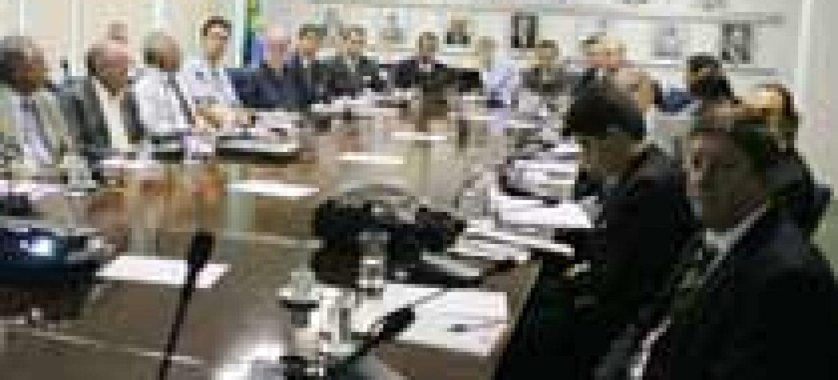 Governo e empresas debatem aproveitamento de energia solar no País