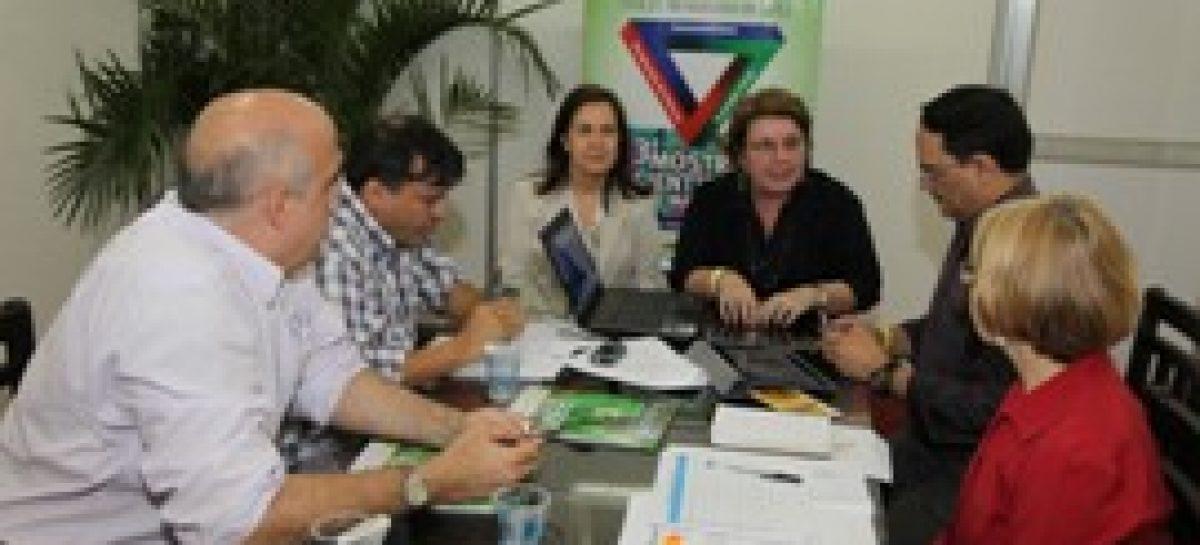 Fapema e IES debatem formação de mão-de-obra na área de engenharia aeroespacial durante reunião
