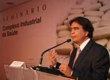 Ministro defende setor saúde como indutor da economia
