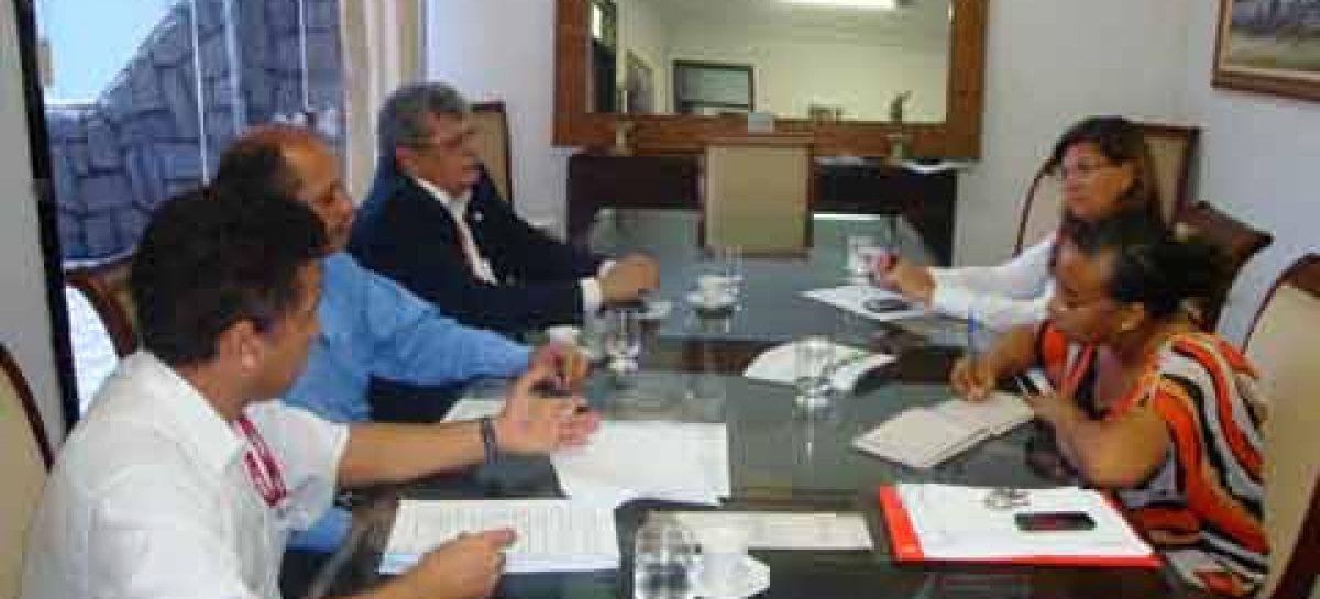 Diretrizes para a Semana Nacional de Ciência e Tecnologia são discutidas em reunião