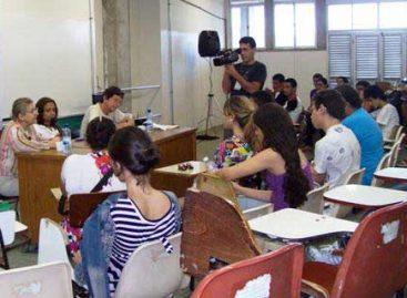 Relação ciência-sociedade é debatida em encontro de jovens cientistas