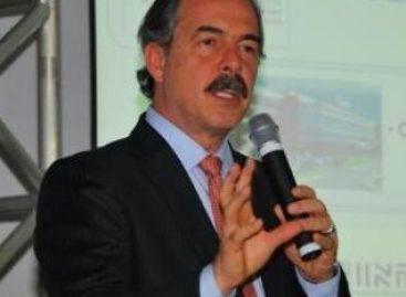 Ministro da educação recebe homenagem em São Luís