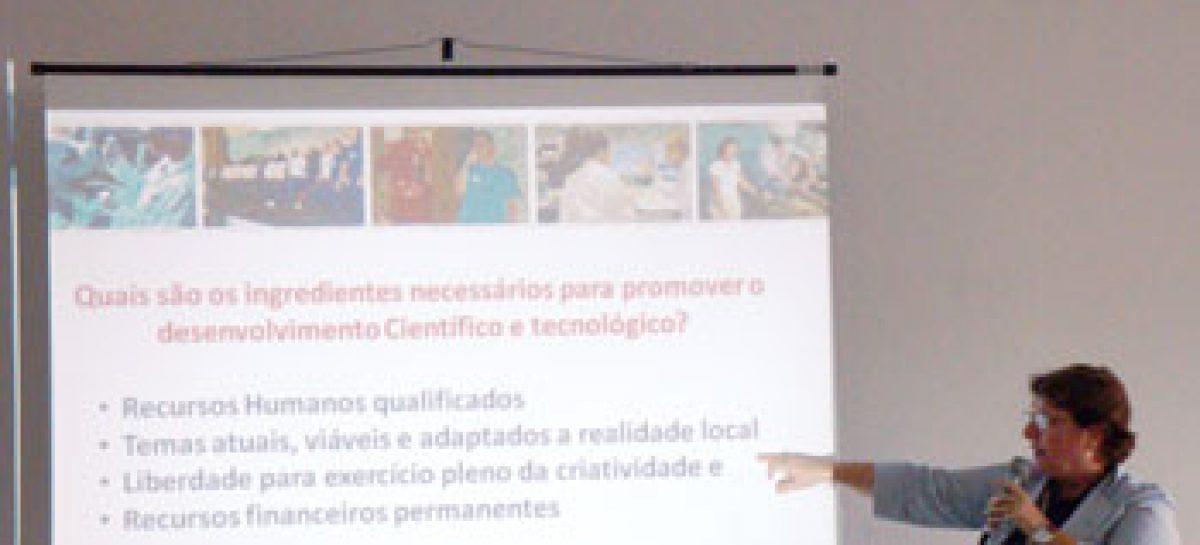 Presidente da FAPEMA palestra no I Workshop de Grupos de Pesquisa do Campus de Chapadinha