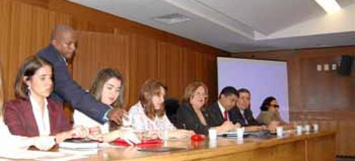 Lei Maria da Penha é discutida em audiência pública na AL