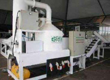 Máquina de beneficiamento de babaçu é apresentada na SNCT