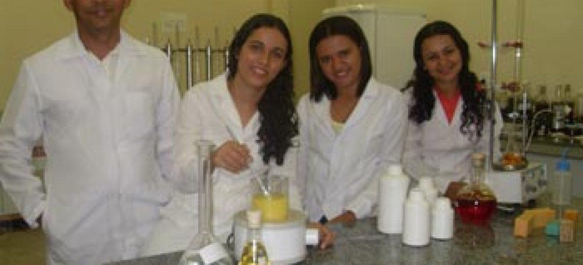 Pesquisa sobre aproveitamento do óleo de cozinha é uma das ganhadoras do Prêmio Fapema 2011