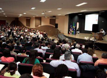 Ministro anuncia investimentos superiores a R$ 1 bi