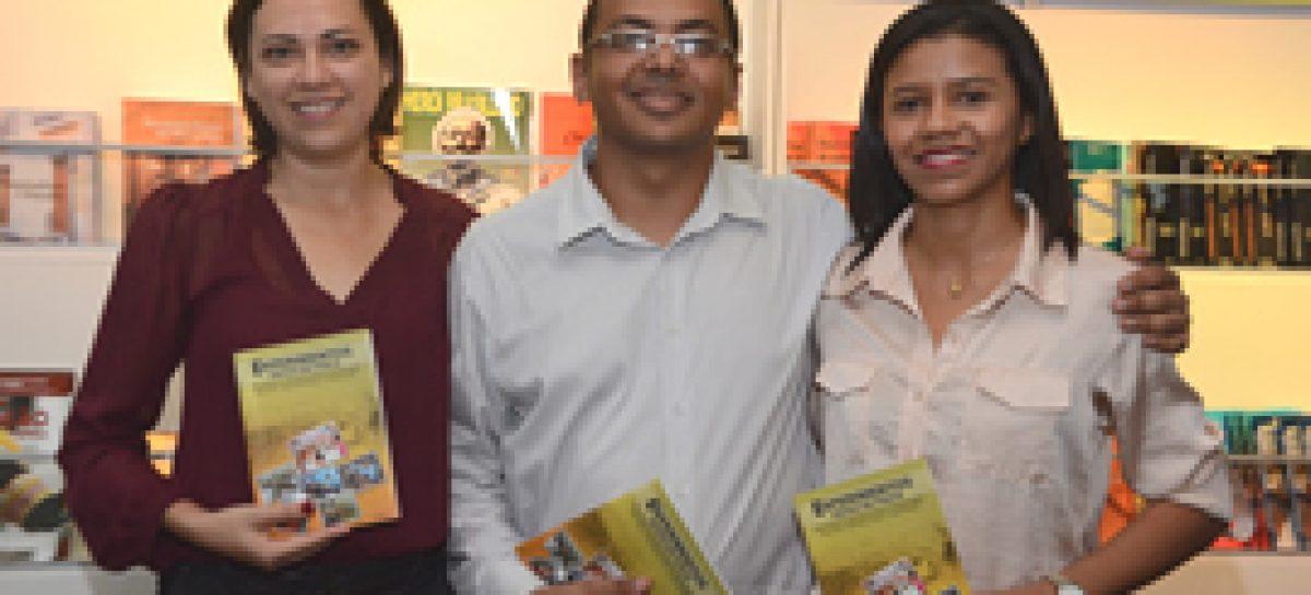Edital APUB garante sessão de autógrafos de livro durante a SBPC