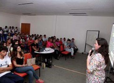 Assessora de Planejamento da Fapema apresenta editais em Encontro Indústria de Talentos