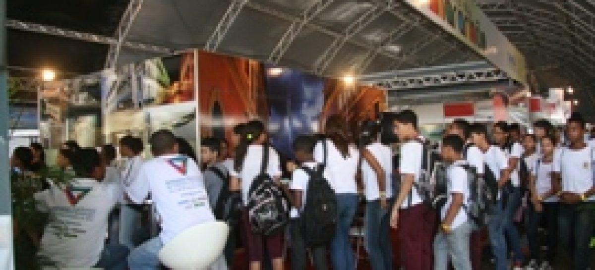 Oficinas e atividades de pôsteres sensibilizam participantes da SNCT