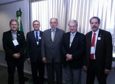 Representantes das Fundações de Amparo à Pesquisa do país se reúnem com a Capes