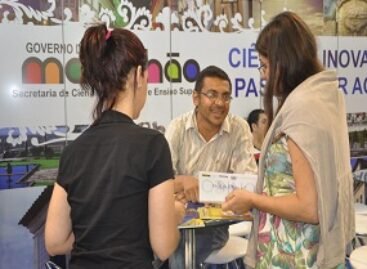 """Livro """"Experimentos Fáceis de Física"""" é lançado no stand da FAPEMA na Expoctec, em Pernambuco"""