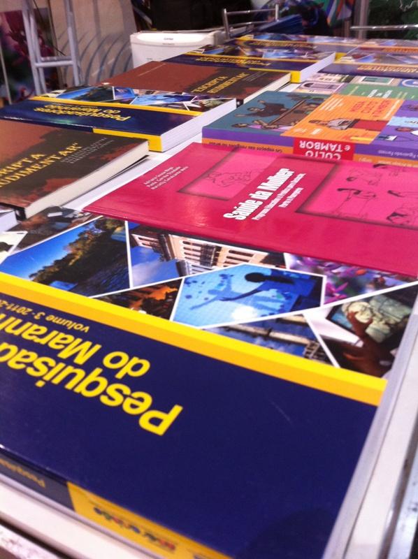 foto livros fecoimp