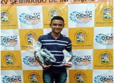 Bolsita da FAPEMA recebe honrarias durante a XXV edição do Semic UEMA