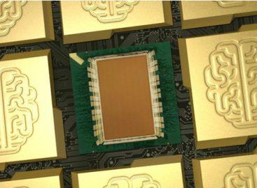 Cientistas criam supercomputador do tamanho de selo postal