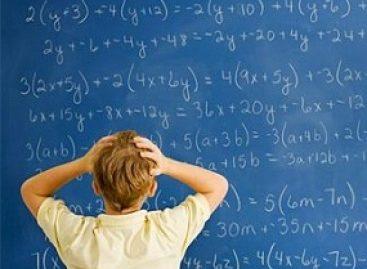 Matemática e inclusão digital através de jogos eletrônicos moderniza o ensino nas salas de EJA