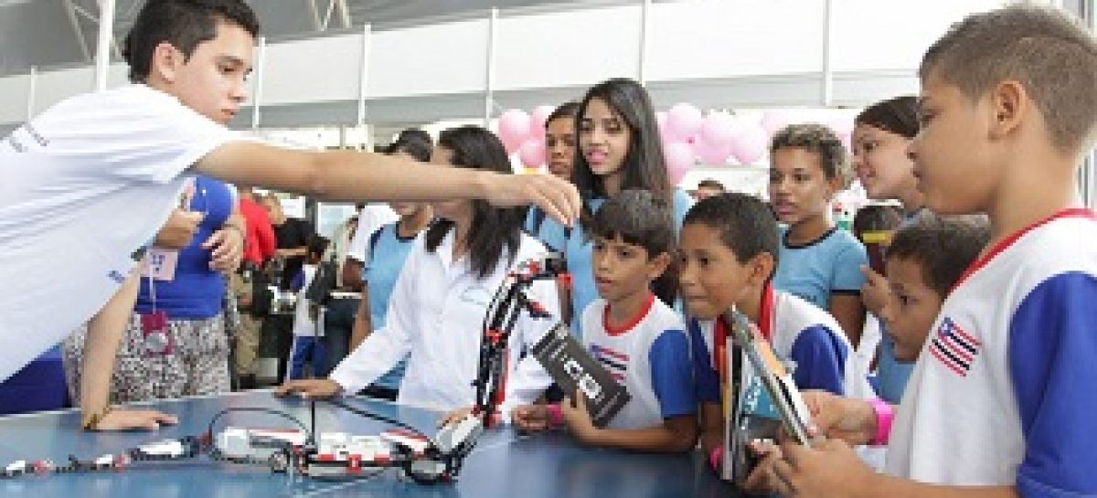 Estudantes da rede estadual expõem trabalhos na SNCT