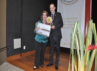 Presidente da FAPEMA é homenageada pela UFMA com Prêmio Mérito Científico