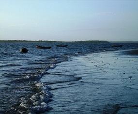 Aspecto da Lagoa do Bacuri- Magalhaes de Almeida