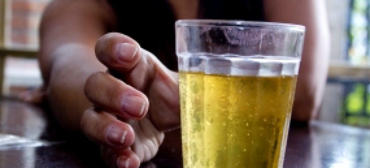 Pesquisa analisa alcoolismo entre universitárias de Imperatriz