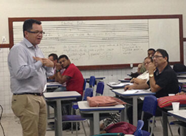 Presidente da FAPEMA participa de palestra para professores do Ensino Médio