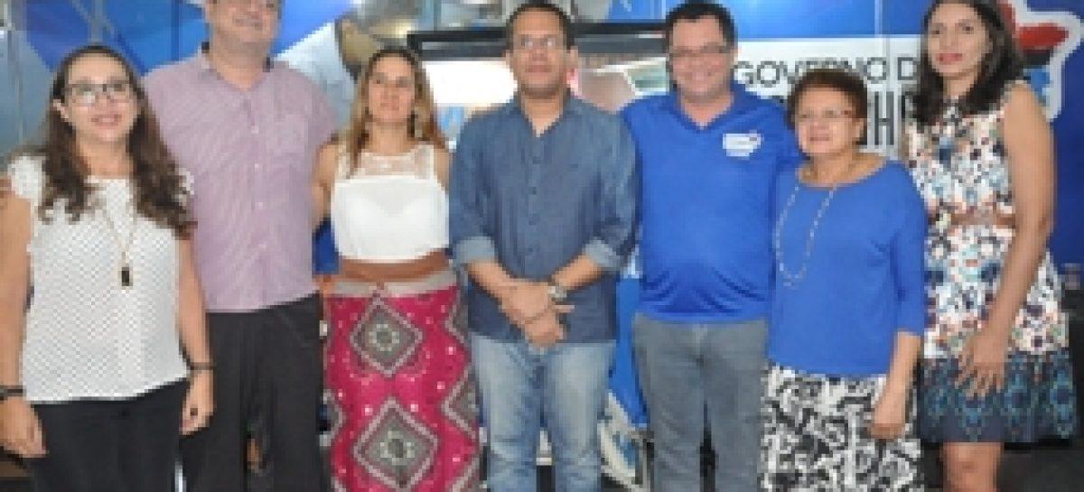 Lançamentos de livros marcam terceira noite do stand da Fapema na SNCT