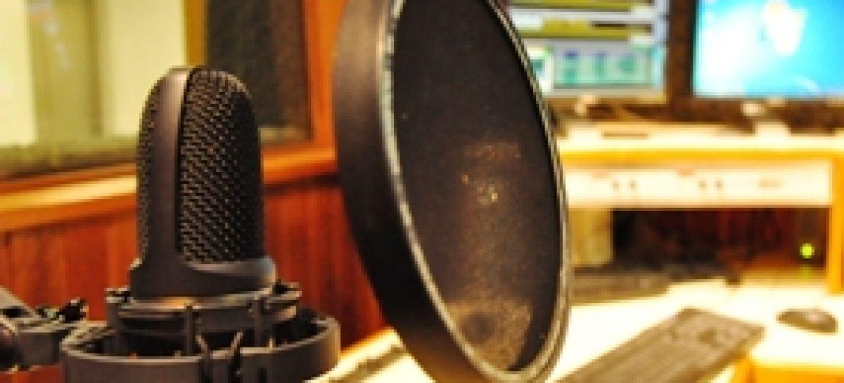 Roda de diálogos discute papel das rádios comunitárias