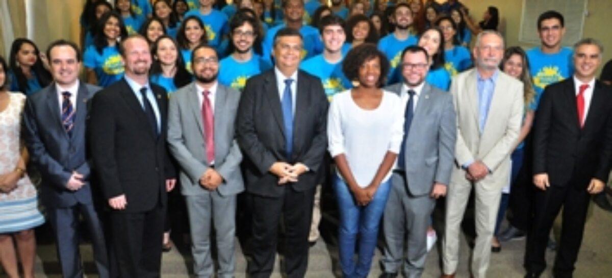 """Secretário Jhonatan Almada lança livro de sua autoria """"Ciência e Educação como Agentes da Mudança no Governo Flávio Dino"""""""