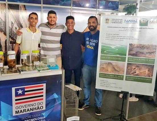 Pesquisa sobre a história evolutiva dos pequenos mamíferos da região do Rio Paranaíba é apresentada no estande da Fapema durante a SNCT/MA