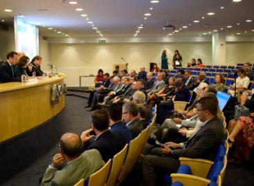 Primeiro dia do Fórum do Confap em Brasília destaca ações com parceiros e homenagens
