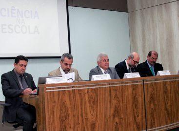 Com chamada de R$ 100 milhões, MCTIC e Ministério da Educação lançam programa Ciência na Escola