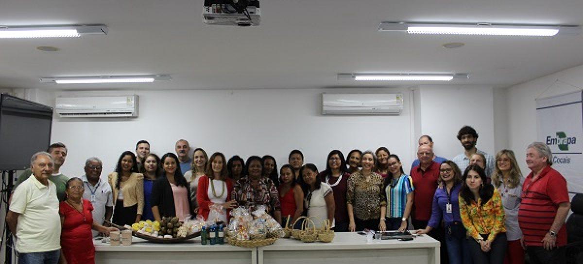Embrapa Cocais aproxima quebradeiras de coco e indígenas com experiências na fabricação de produtos do babaçu