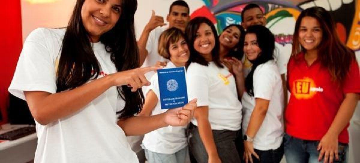 Abertas 257 vagas para estudantes nos programas Jovem Aprendiz e Mais Estágio