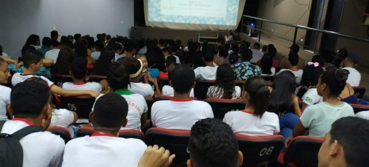Governo intensifica aulões de Língua Portuguesa e Matemática em escolas da rede estadual