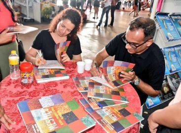 Estande da Fapema movimenta Feira do Livro em São Luís