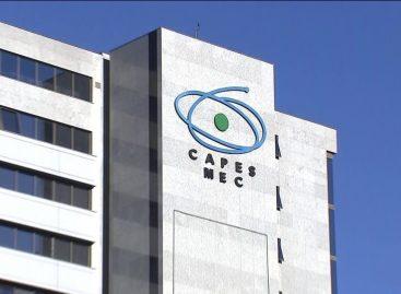CAPES lança edital emergencial para pesquisas sobre óleo derramado no litoral