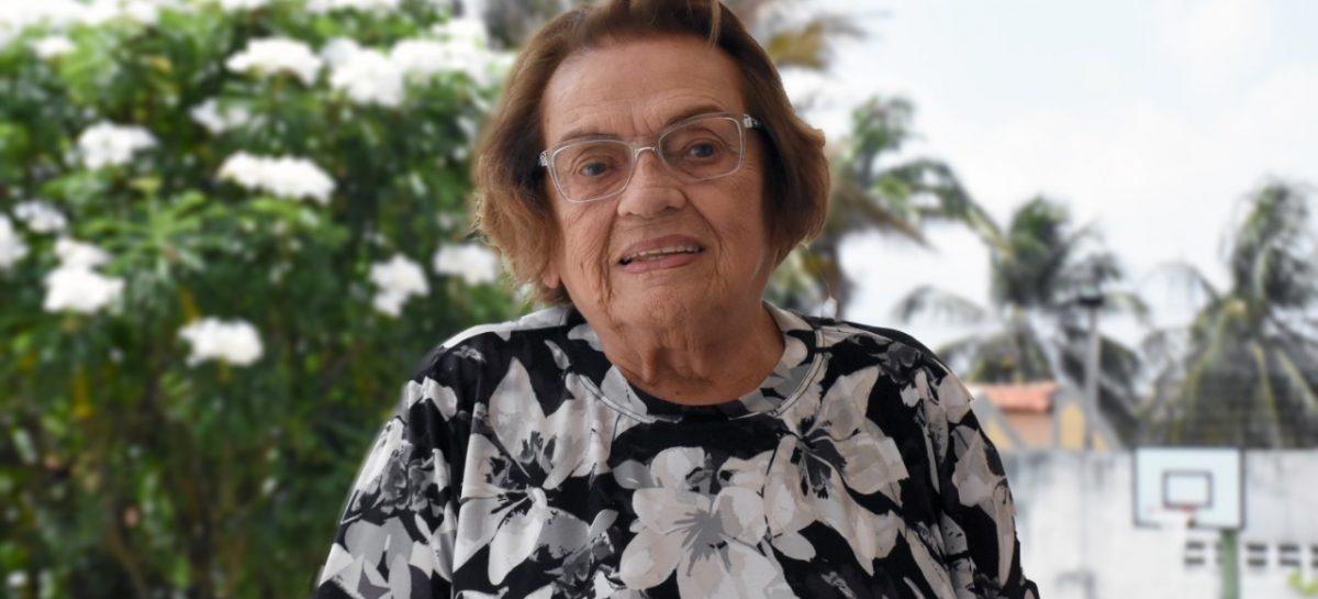 Terezinha Rêgo conta a sua trajetória de 55 anos na pesquisa fitoterápica