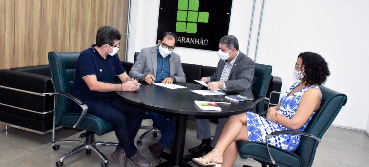 FAPEMA firma convênio com o IFMA para produção de conteúdos de curso  on-line para capacitação de professores em inglês