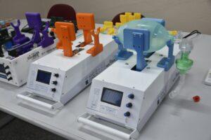 reanimador automatizado Fasten Vita (Ventilação Intensiva Tecnologicamente Assistida) que podem ser utilizados na ausência de respirador no Brasil.